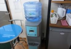 給水器、冷蔵庫完備!